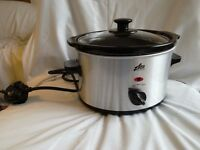 *CHARITY SALE* Slow cooker (Team brand) - Brand new