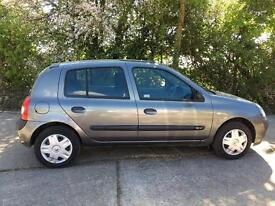 Renault Clio breaking parts spares engine gearbox door bonnet seat petrol