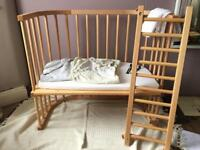 Baby Bay convertible bedside Cot