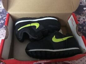 Nike Trainers size 5.5 (uk)