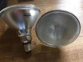 Light bulbs x 2