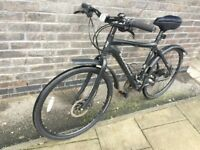 Hybrid hydraulic disc brake, paid £550 3 years ago, 24 speed, DEORE Shimano, nice mudguards