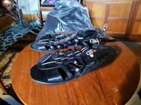 Blk leather sandals sz 5 new