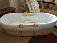 Moses basket with stand and 3 sheets
