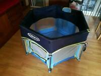 Graco travel cot / play pen for toddler with sun shade