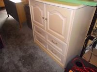 LARGE CHEST OF DRAWS / SMALL WARDROBE IN GOOD USED CONDITION FREE LOCAL DELIVERY 07486933766