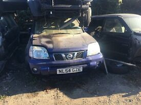 NISSAN X-TRAIL SVE 2004 Blue FOR PARTS ONLY