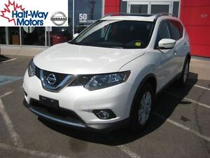 2015 Nissan Rogue SV | A must drive!