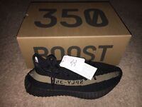 NEW Yeezy Boost 350 v2 size 10 trainers