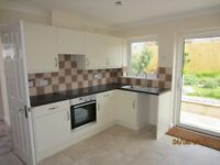 Very large detached bungalow in Saltash, 3 double bedrooms, 2 bathrooms, gardens, parking.