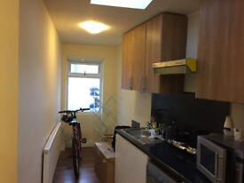 Studio/Shared ensuite room with kitchen