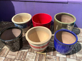 6 Garden Pots USED FREE to a good home