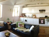 Bright and sunny, 2 double bedrooms, sea views