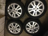 Vauxhall Astra SXi set of 4 alloy wheels and good tyres