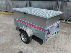Customised caddy 530 camping / work trailer
