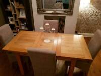 Solid Oak Extendable Dinning Table with chairs