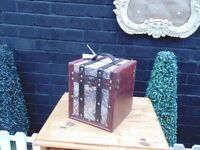 BEAUTIFUL SMALL CHEST REALLY NICE BOX IN EXCELLENT CONDITION 20/20/22 cm £5