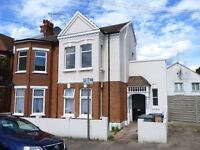 Immaculate 2 bedroom flat to rent in Willesden Green moments away from amenities & transport links