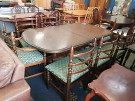 Toledo younger extendable table with eight chairs