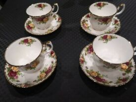 Beautiful New Royal Albert Old Country Rose Teacup and Saucer x4