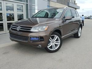 2012 Volkswagen Touareg 3.6L Highline 4WD *Leather/Sunroof/Nav