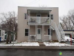 274 900$ - Duplex à vendre à Ste-Therese