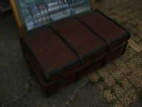VINTAGE CANED TRAVEL TRUNK CASE TUCK BOX STEAMER TRUNK IN YEOVIL