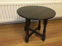 Coffee table - Round dark oak by Jaycee - Solid wood