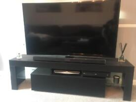Tv stand 160cm wide. Lights included