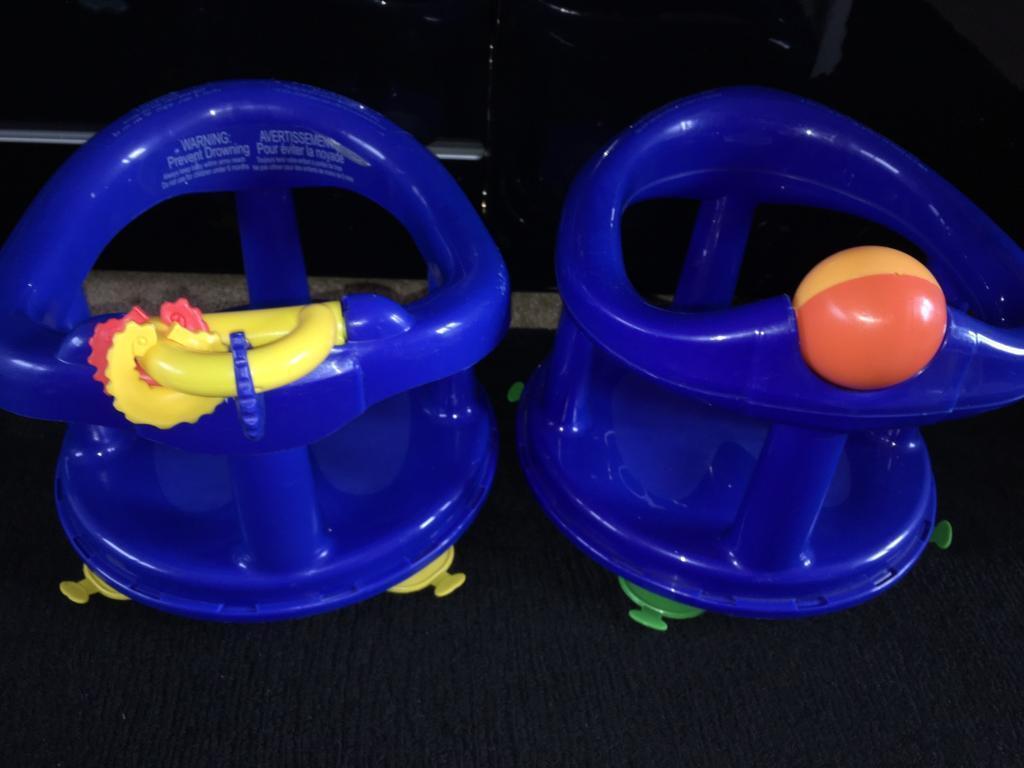 Safety 1st Swivel Bath Seat baby 💙