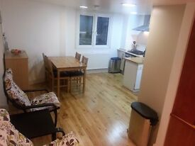 Large double room in split level flat includes bills & wi-fi just close to the heart of Clapham