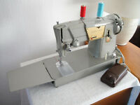 Singer 328K Semi-Industrial Twin Needle Pattern Cam Sewing Machine SEWS LEATHER Excellent Condition