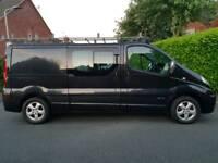 Finance me ! Renault trafic sport long wheel base 6 seat crew van, full roof rack and rear ladder..