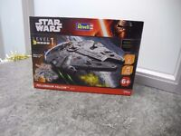 REVELL DISNEY STAR WARS LEVEL 1 MILLENNIUM FALCON