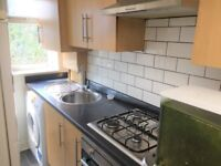 2 BED GROUND FLOOR FLAT WITH GARDEN & DRIVEWAY TO RENT IN ILFORD FOR £1000PCM BILLS EXCLUDED!