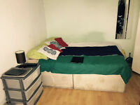 Single/Double Room - 109pw (excl. bills) - 10 min to Bank & Canary Wharf