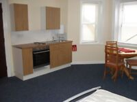 TOWN CENTER STUDIO FOR RENT NEAR SHOPS AND SEAFRONT