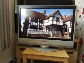 PANASONIC VIERA 32 INCH HD LCD TV (FREEVIEW)