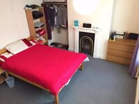 A very large room in the heart of Exeter! Double Bed! See pics and description for more