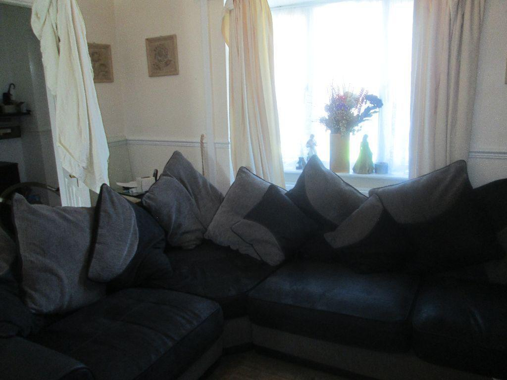Corner Sofa With Cuddle Chair Crab A Bargain In