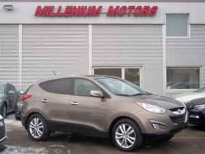2011 Hyundai Tucson LIMITED AWD / LEATHER / SUNROOF / A MUST SEE