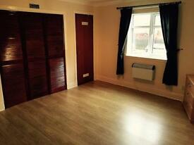 A LOVELY STUDIO FLAT JUST 5 MINS FROM MERCHANT CITY