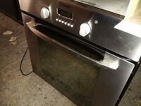 stainless steel single electric oven in very good condition can deliver