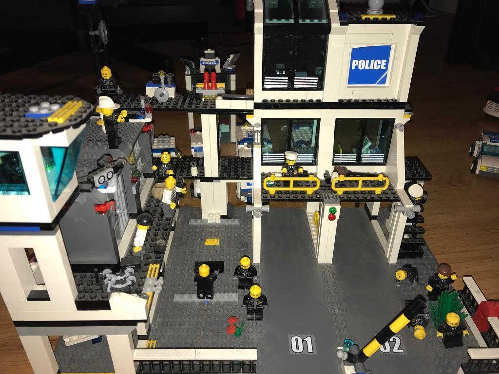 Lego City Police Station Trucks Cars Etc Multi Bundle In Headquarters 7744