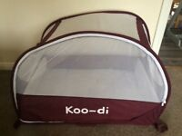 KOO-DI pop up travel bubble cot with new inflatable mattress & new fitted sheet