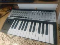 NOVATION SL25 MKII MIDI Controller