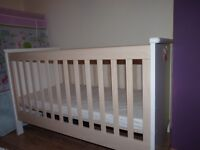 MAMAS AND PAPAS COT BED TODDLER/JUNIOR BED 2 IN 1 WITH MATTRESS VGC
