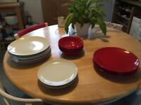 FREE Dinner set (10 plates/4 side plates / 4 bowls)