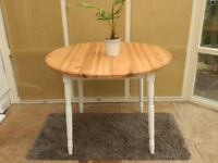 Solid Pine Round Extending Dining Table