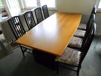 Ex display conference table with 8 chairs GREAT CONDITION